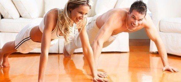 мужчина и женщина отжимаются от пола. Самбо-Уфа